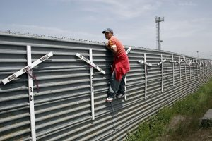 Aspiring migrant from Mexico into the US